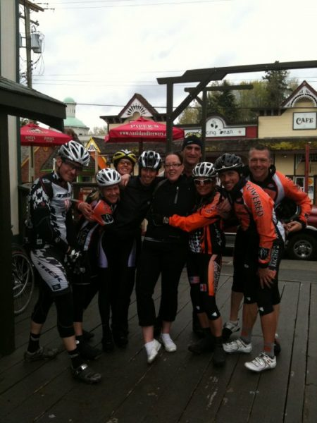 Athletes huddled together for picture during break on the Parksville 180